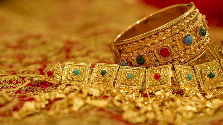 Gold and silver prices rose