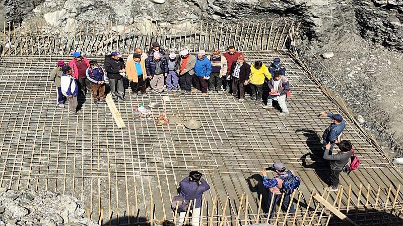 घारखोलामा मोटरेवल पुलको निर्माण शुरु