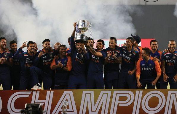 इङ्ग्ल्याण्डलाई हराउँदै भारतले जित्यो टी–२० खेलको श्रृखला