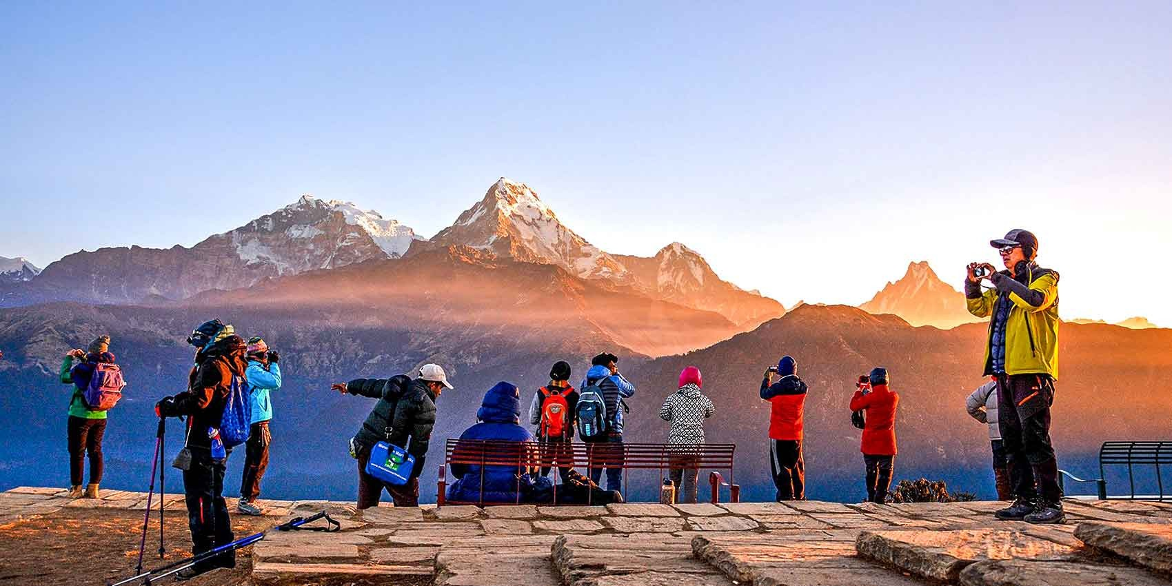 कोरोनाको असर पर्यटन क्षेत्रमा : जम्मा ६६ हजार पर्यटक भित्रदा कुन महिना कति ?