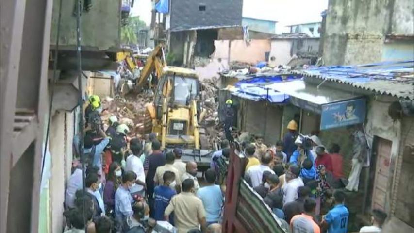 भारतमा घर भत्किदा ११ जनाको मृत्यु , ७ जना घाइते