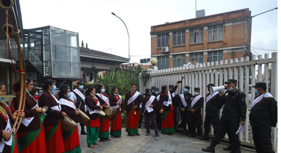 कर असुल गर्न पञ्चेबाजासहित टोलटोलमा काठमाडौँ महानगर